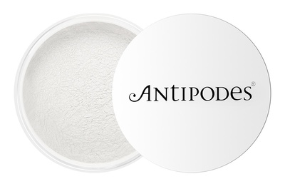 Antipodes ® Skin-Brightening Finishing Powder
